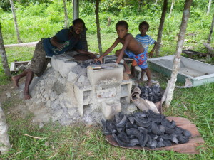 ソワむ村での炭焼き工房
